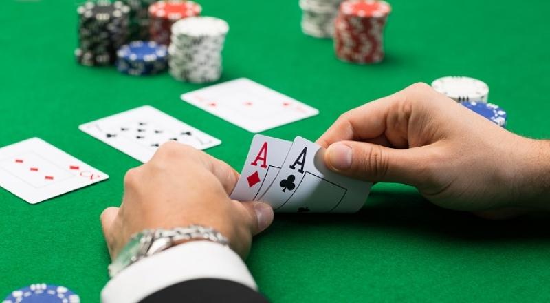 3 Strategi Menang Besar di Poker Online